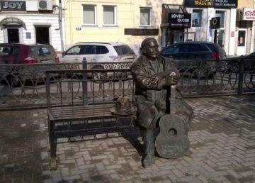 На защиту памятника Михаилу Кругу встали влиятельные люди