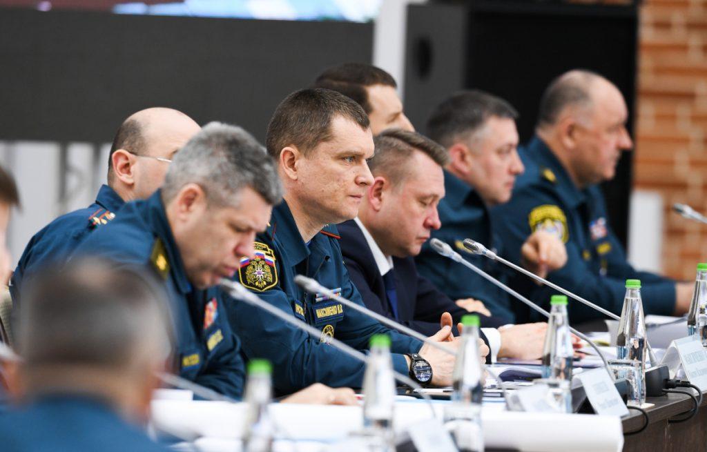 Игорь Руденя внес свои предложения по борьбе с лесными пожарами на коллегии МЧС России