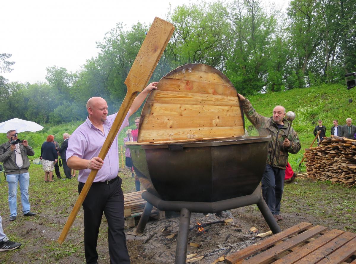 В Кашине Тверской области проходит Фестиваль каши