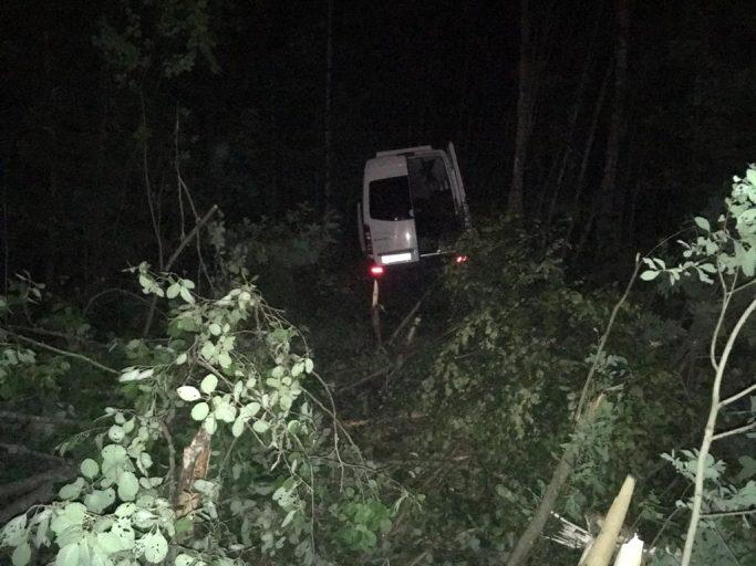 Увеличилось число пострадавших в аварии с автобусом на трассе М-9 в Тверской области