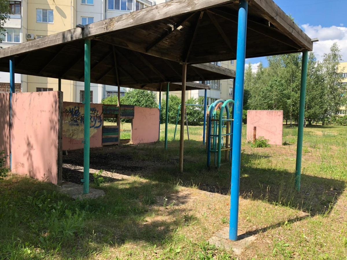 Детские площадки в Твери признали небезопасными
