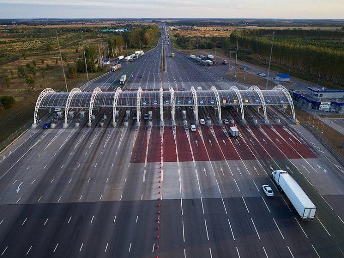 В Тверской области перекрыли платную трассу М11