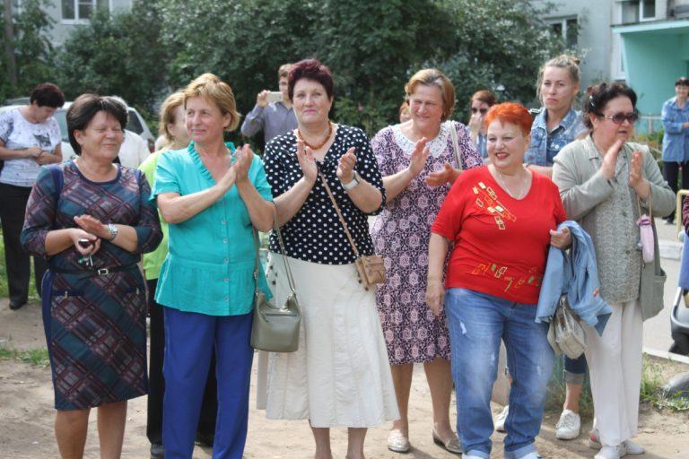 В Твери благоустроили двор по программе поддержки местных инициатив