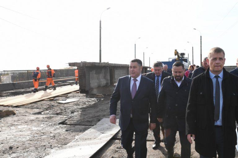 Губернатор проверил ремонт дорог и благоустройство дворов в Твери