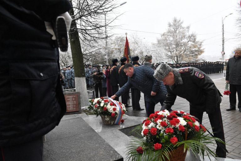 В Твери почтили память погибших при исполнении служебного долга