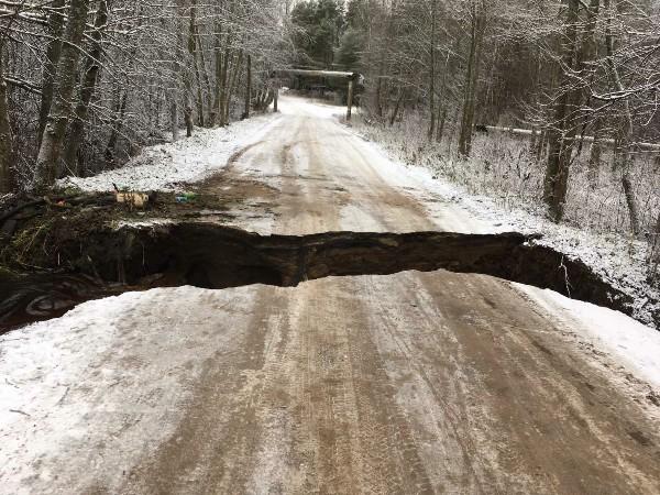 В Тверской области восстанавливают размытые дороги