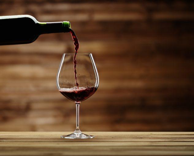 Российские вина предлагают продавать до полуночи