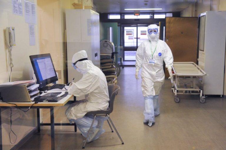 Два пациента с коронавирусом выздоровели в Твери