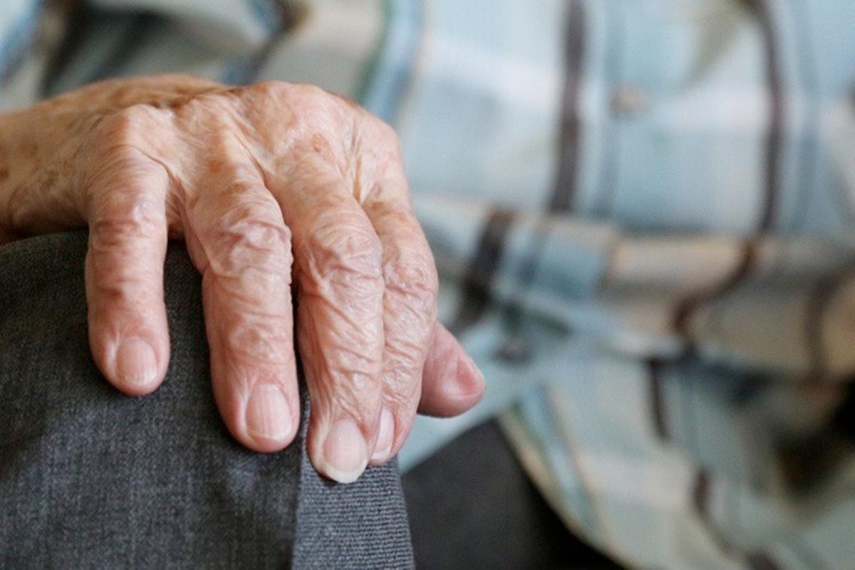 В Осташкове Тверской области ограбили пенсионера