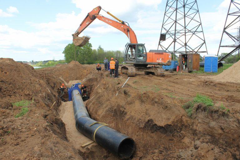 В Твери продолжается прокладка новой нитки водовода