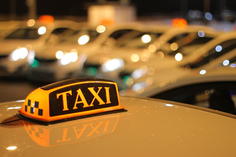 В Твери полицейские проверяли такси