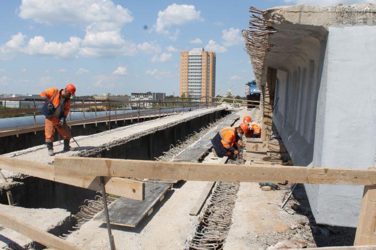 В Твери строят мост через Тьмаку и ремонтируют Бурашевский путепровод
