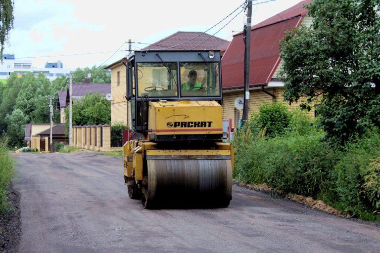 В Твери ремонтируют дороги