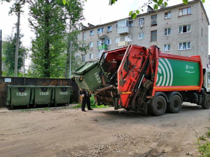В муниципалитеты Тверской области отправили новенькие контейнеры