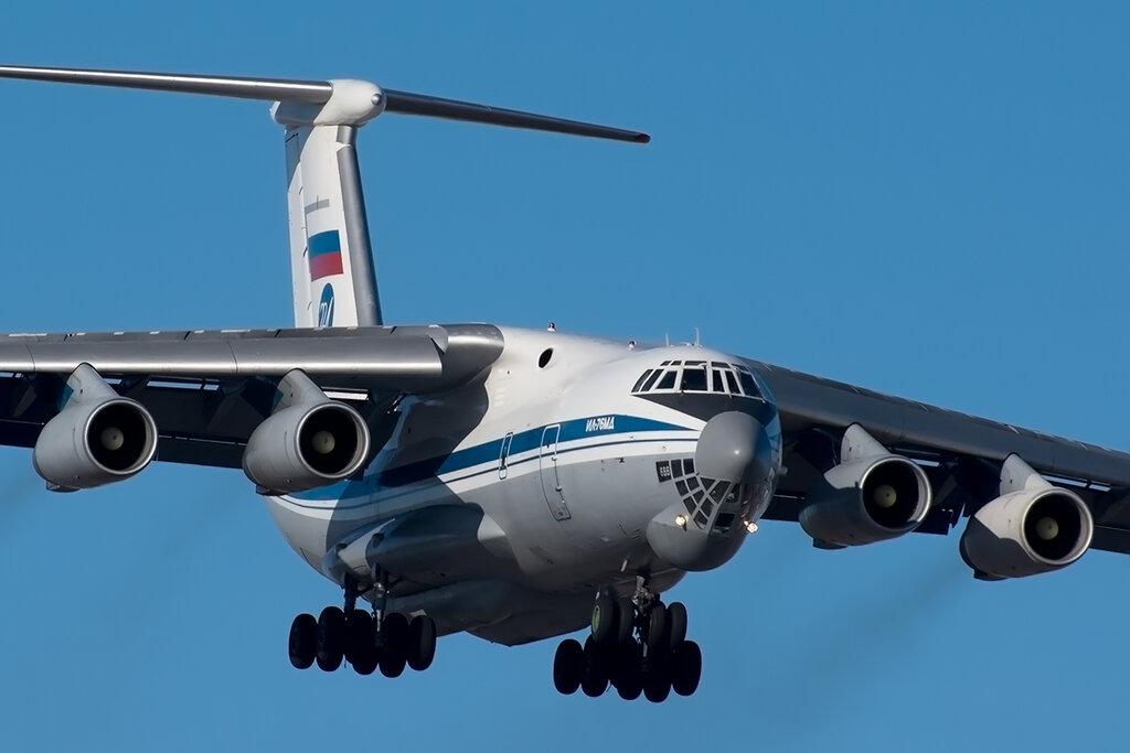 Учения экипажей ИЛ-76МД прошли в Тверской области
