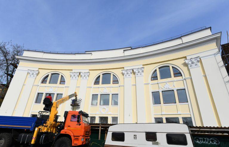 В Твери завершается ремонт фасада нового Дворца бракосочетаний