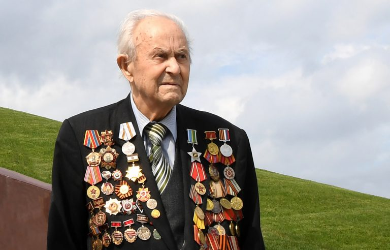Тверской губернатор выразил соболезнования родным ветерана войны Евгения Книги