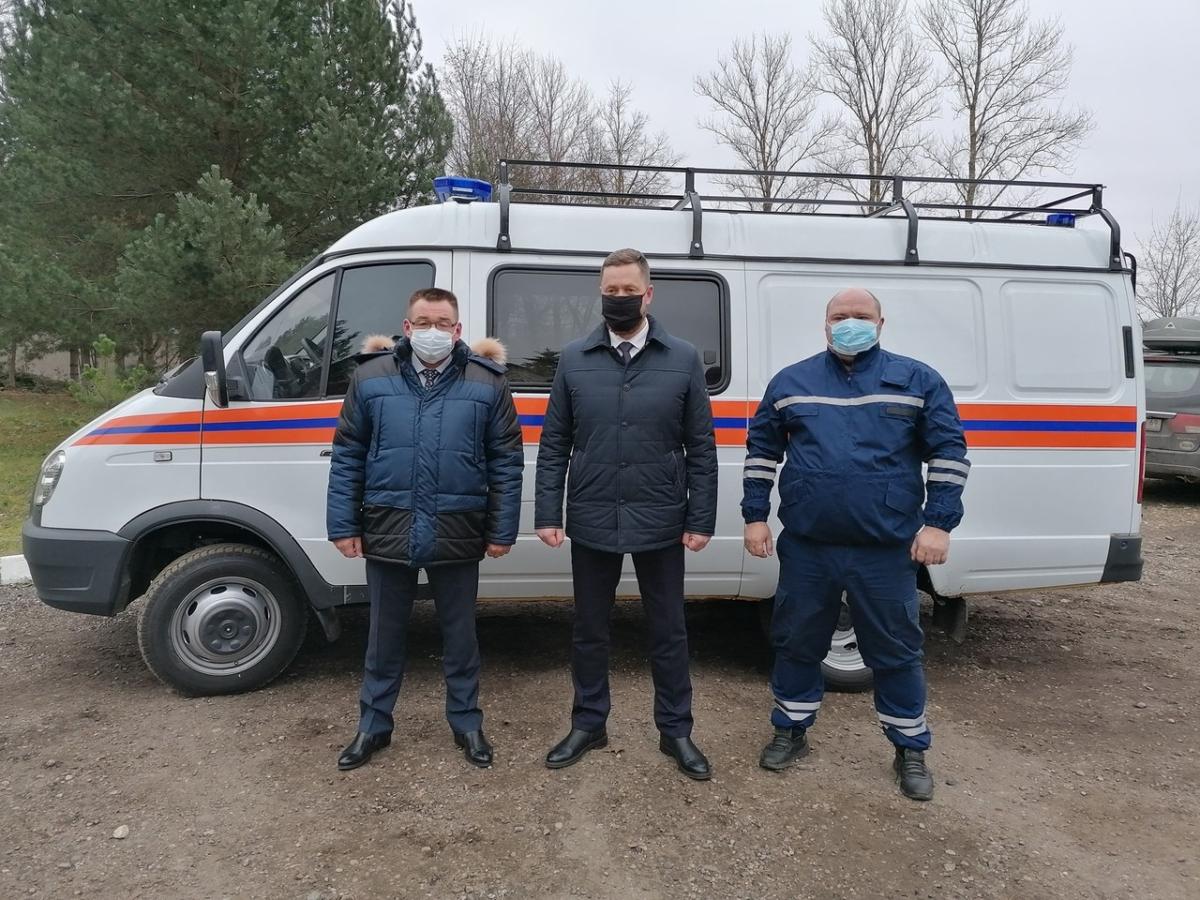 Глава Ржева продал служебное авто для покупки машины спасателям