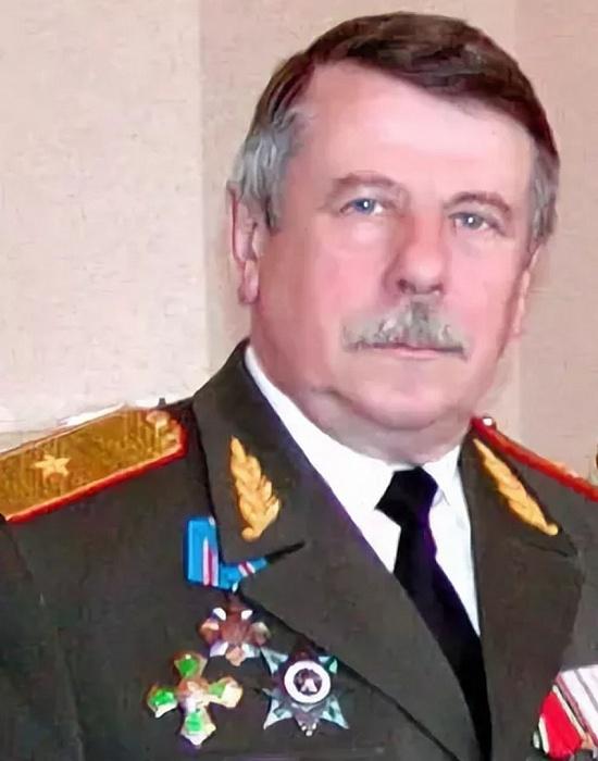 В Твери от коронавируса умер известный генерал-майор Грибов