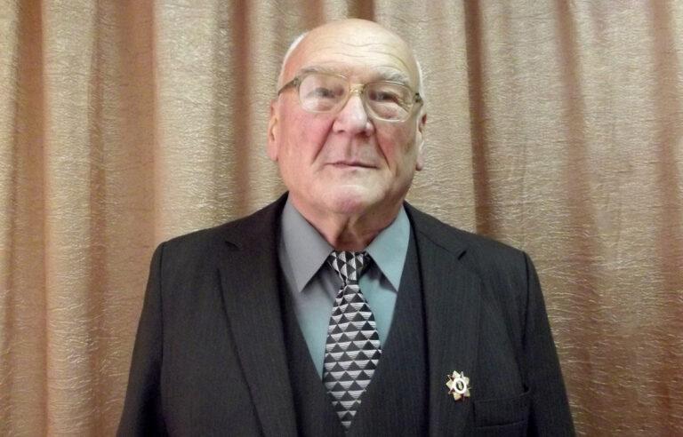 Двум жителям Тверской области вручили награды Президента РФ