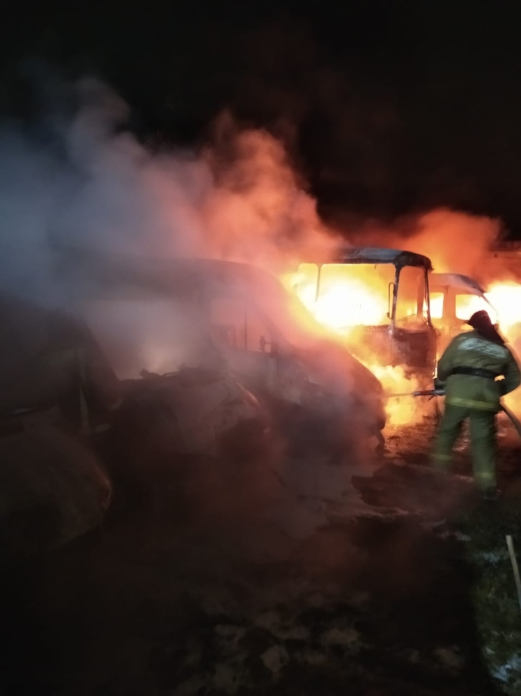 В Ржеве ночью горели автобусы