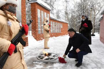 Игорь Руденя почтил память красноармейцев в Торжке
