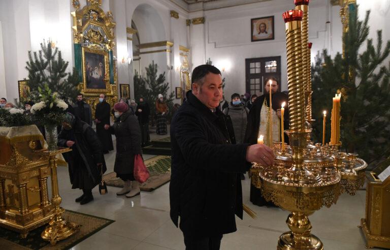 Тверской губернатор встретил праздник Крещения в Нило-Столобенской пустыни