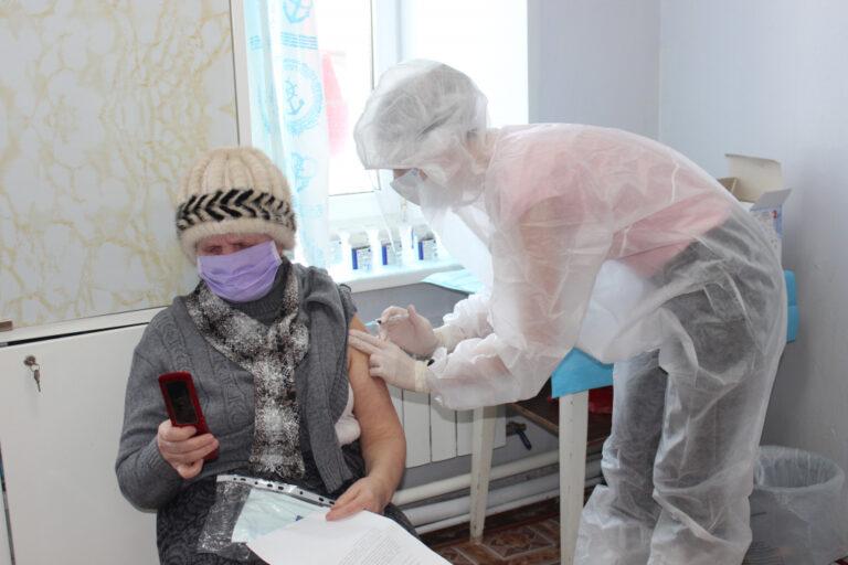 В Тверской области продолжается прививочная кампания от коронавируса