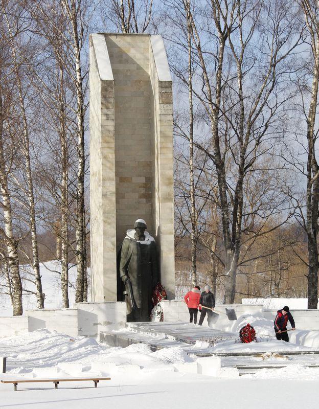 Игорь Руденя поздравил жителей Оленино с памятной датой