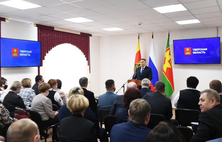 Тверской губернатор встретился с общественностью Лихославльского района