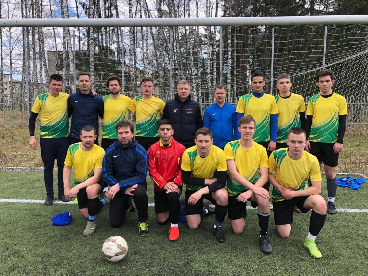Футбольный турнир в честь Первомая закончился победой «Редкино»