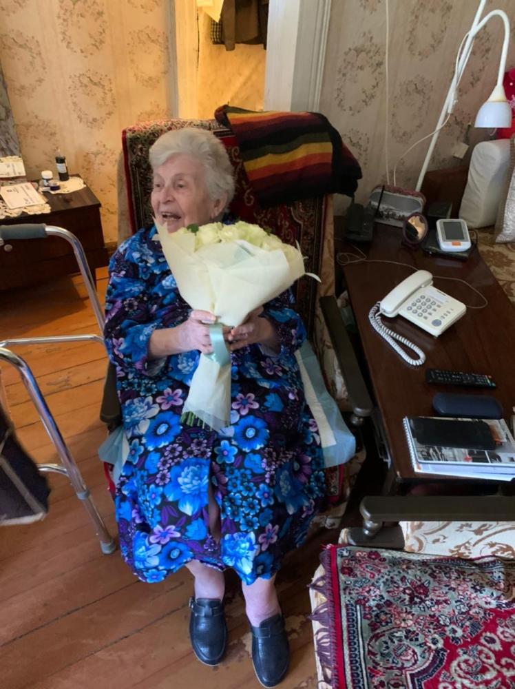 Жительницу Твери со столетием поздравил губернатор