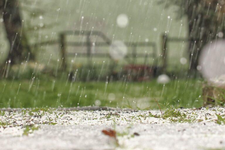Парад Победы в Твери могут испортить снег и ливни