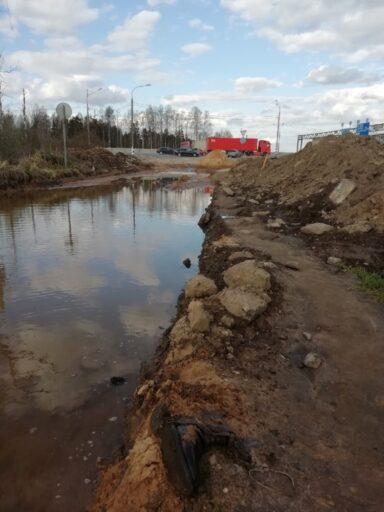 Деревня под Тверью осталась без дороги после дождя