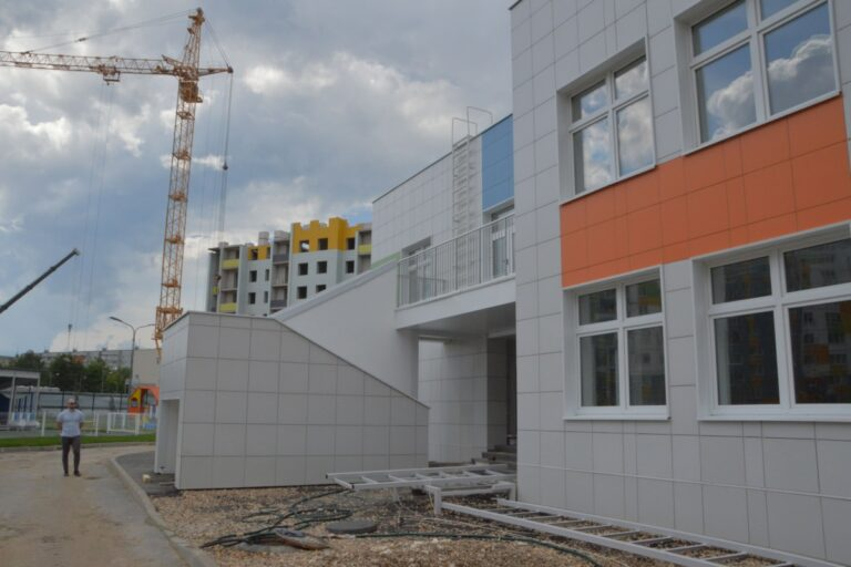 В Твери строят три детских сада