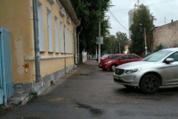 В центре Твери на неделю перекрыли улицу