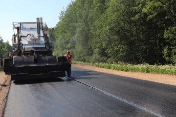 В Тверской области завершается укладка асфальта на одной из главных туристических трасс