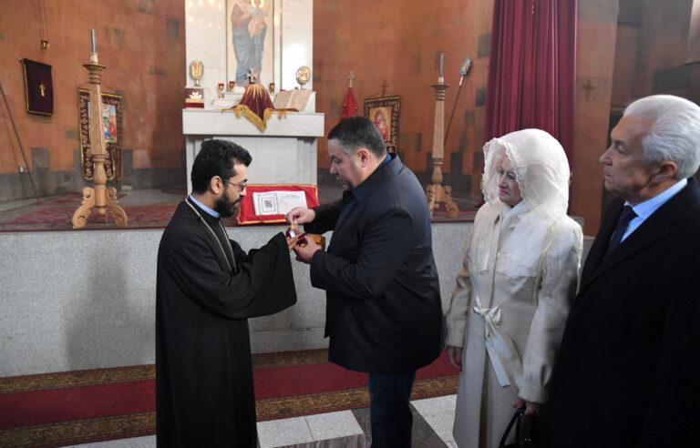 Губернатор Тверской области передал настоятелю Армянской православной апостольской церкви мощи святого Григория