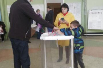 Семье Моисеевых из Калининского района Тверской области проголосовать помог внук #ТОголосование