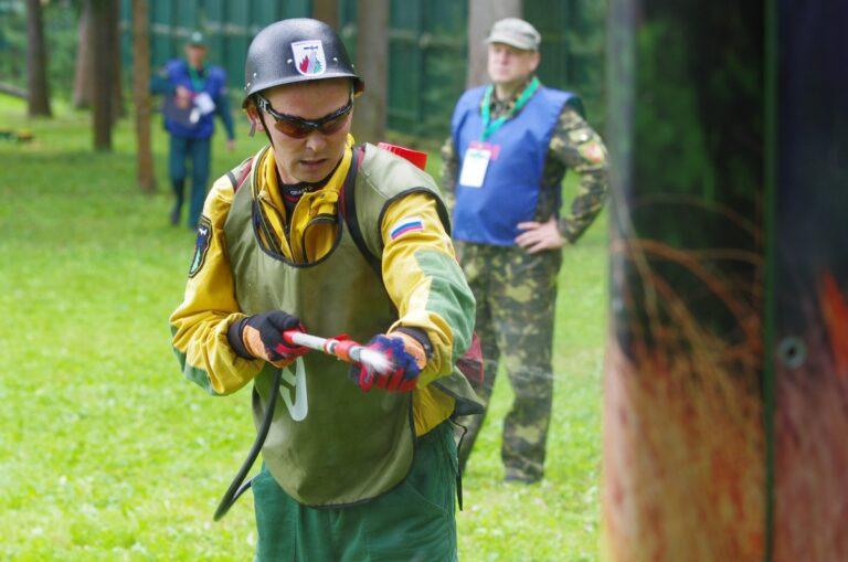 На конкурсе «Лучший лесной пожарный России 2021» тверичанин стал третьим