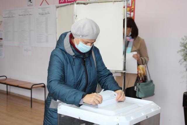 На избирательных участках в Тверской области многолюдно