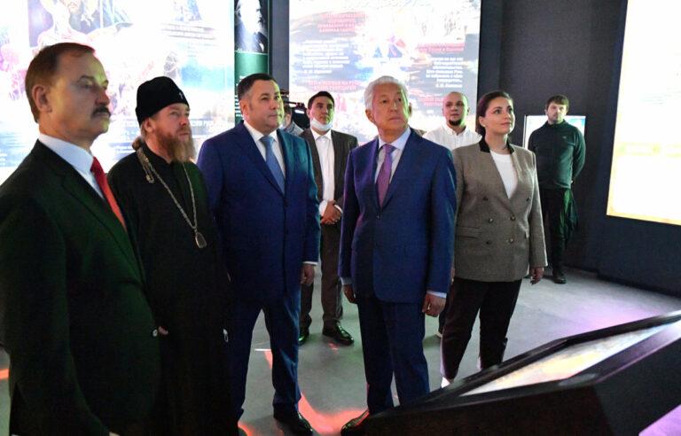 Губернатор Игорь Руденя и митрополит Тихон обсудили развитие парка «Россия – моя история»